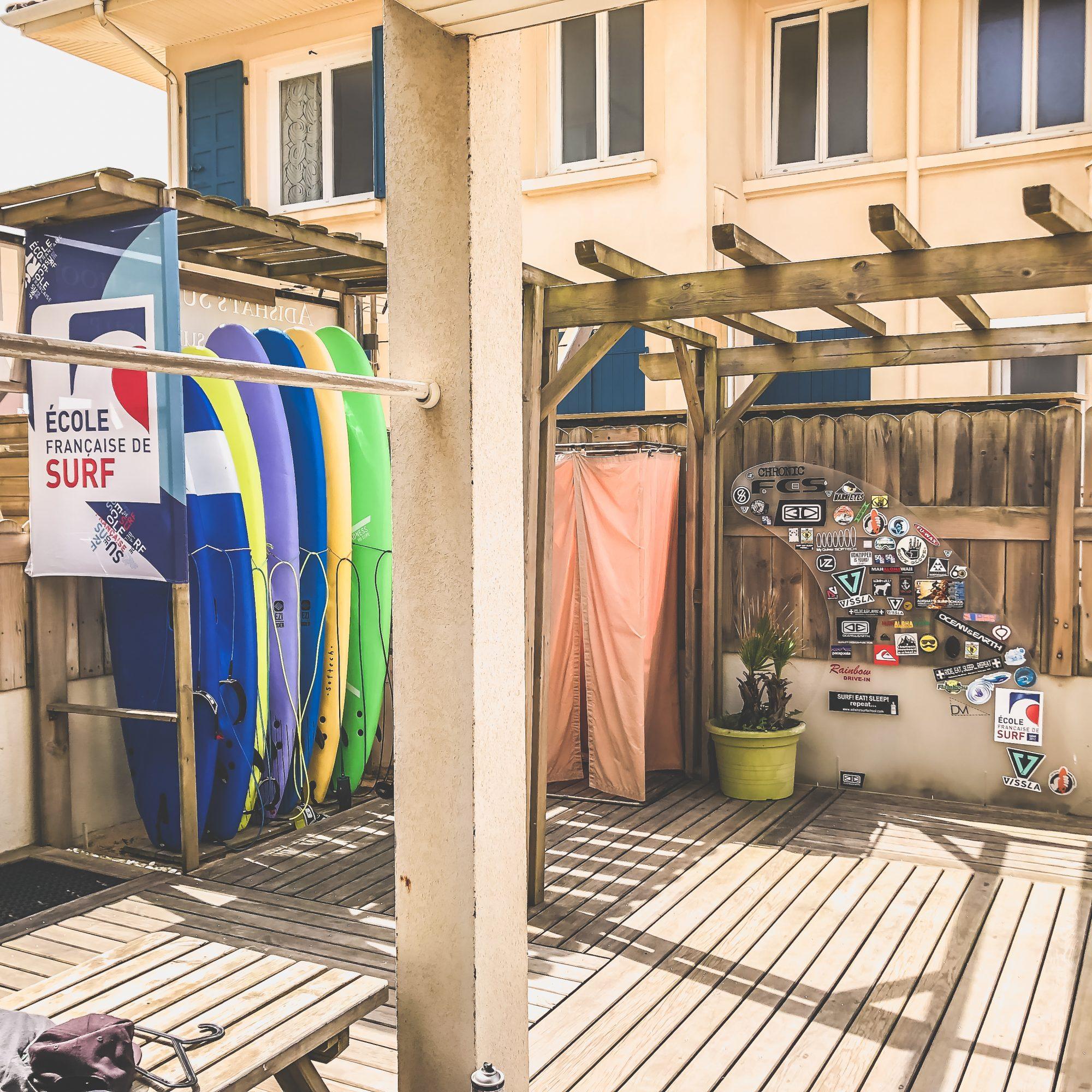 école adishats surf school